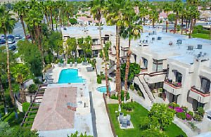 BEAUTIFUL  2 bed Palm Springs Condo  Cdn $3000
