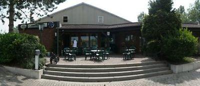 3-Feld Quarzsand Tennishalle & Gaststätte Sehr gute Auslastung in Marl