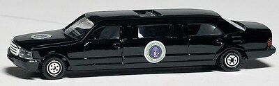 Daron Presidential Limousine diecast model toy 1/64 scale New in Box D22