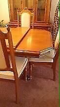 Must go! Hutch and dining set!