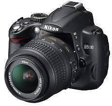 Nikon D5000 in good condition + lense 18-55 + case Perth Perth City Area Preview