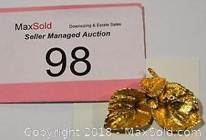 Costume jewellery, SIGNED vintage BROOCH / pin