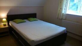 Double room to rent / Pokoj do wynajecia. Didcot