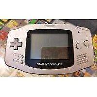 Gameboy advance gris avec 5 jeux