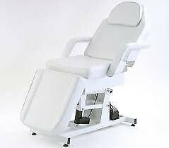 Electric massage/beauty therapy couch