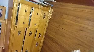Queen HeadBoard & matching Dresser Good condition