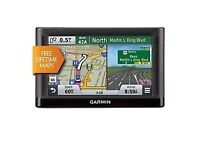garmin nuvi 52LM uk and europe fully working with charger and box 5,inch screen