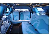 """Lincoln 120"""" Town Car Silver with Dark Blue vinyl roof (Stretched Limousine)"""
