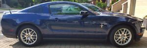 2012 Ford Mustang Coupe Leather