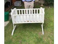 Swinging Crib - White £40
