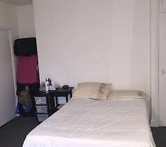 Sunny single room in Whitechapel!