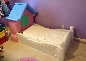 Little tikes / tykes cottage crib mattress bed girls