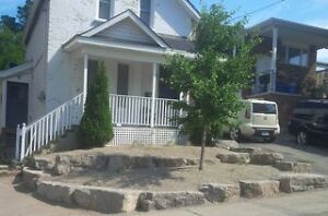 All-Inclusive 4-Bdrm House, 5 min walk to Harmony Sq! (Sept 1)