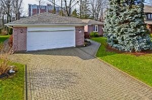 Brand NEW listing in desirable neighbourhood!
