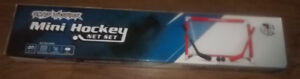 Mini jeu de hockey - neuf- - Mini Hockey Set -new