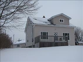 3 Bedroom Home, Memramcook, Move Right In!