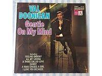 "Val Doonican 'Gentle On My Mind' 12"" VINYL LP 33⅓ RPM, £5 ONO"