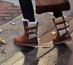 LIKE NEW UGG Boots size 4.5 to fit a size 4 shoe
