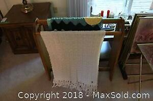 Quilt Rack With 2 Throws - A