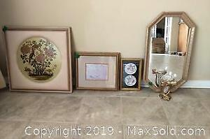 Collection of 5 decorative pieces.