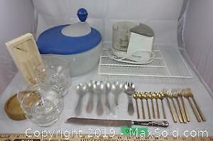 Assorted kitchen lot 7 - vintage brass, glassware and more A