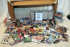 Large collection of baseball and hockey cards