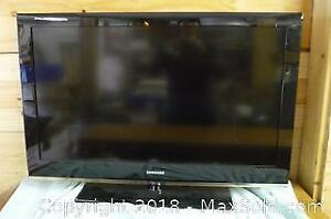 """Samsung 40"""" TV with remote -A"""
