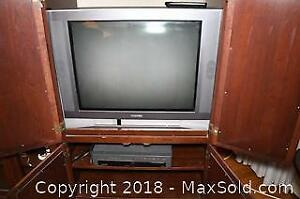 TOSHIBA 27 Inch Television and VHS Player B