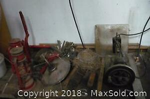 Lot of oil lamps, vintage sewing machine, etc. -A