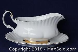 """Royal Albert Gravy Boat And Tray - """"Val D'or"""" Pattern"""