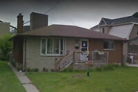 2BDRM MAIN FOR RENT W LAUNDRY ACCESS! Available Immediately!