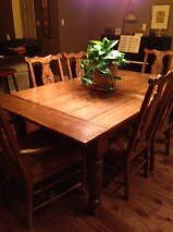 Dining Room Table & Chairs (solid oak)