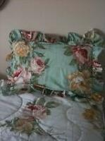 Shabby Chic - Springmaid Twin Bed in a Bag - NEW