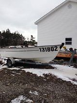 18ft Fibreglass Boat / 40HP Motor / Galvinzied Trailer