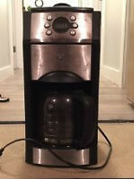 Ge Coffee Pot with grinder