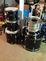 5 PEICE PEARL FORUM SHELL PACK WITH BONUS SNARE!!