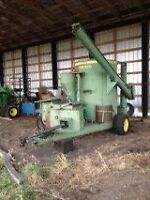 John Deere 700 Mix Mill