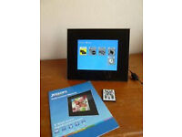 "DIGITAL FRAME 8"" WITH REMOTE"