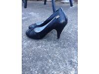 Black heels size 5 - Worn twice