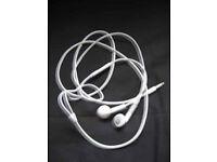GENUINE APPLE EARBUDS/PHONES
