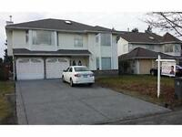 Centrally located 3,500 sqr ft 7 bd 4 bth hm w/ a 60x128 lot!