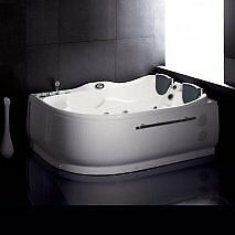 AM124 - Whirlpool Bathtub for Two People