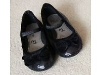 Black sparkly Ballet Style Shoes with bow