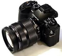 Olympus OMD-E1 et 6 objectifs, batteries, chargeurs,