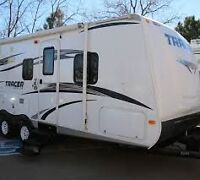 2013 Tracer Ultra Lite with Outside Kitchen