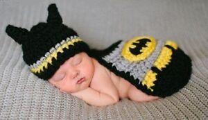 tricot pour photo, neuf, batman :)  Fait 0-6 mois
