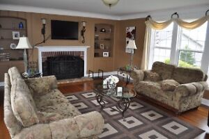 BEAUTIFUL HOME IN AIRPORT HEIGHTS St. John's Newfoundland image 5