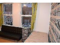 Twin or Triple room available in South Wimbledon.