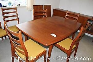 Teak Dining Table and Chairs C