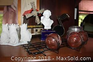 Wind Up Music Boxes. A
